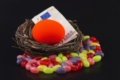 再是能混乱的欧洲甜点 免版税库存图片