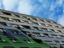 再被绝缘的绿色抽象大厦海拔细节  库存图片