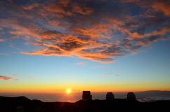 从冒纳凯阿火山日落的,大岛,夏威夷的看法 图库摄影