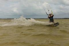 冒险体育风筝海浪自由式 免版税库存照片