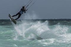 冒险体育风筝海浪自由式 库存照片