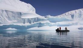冒险南极洲游人 库存图片