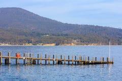冒险在布鲁尼岛的海湾码头 免版税库存照片