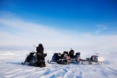 冒险雪上电车斯瓦尔巴特群岛 免版税库存照片