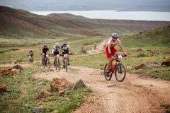 冒险登山车横越全国的马拉松 免版税库存照片
