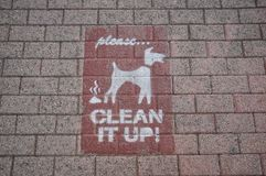 写在地板,清洗它 图库摄影