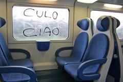 写在窗口在意大利火车,罗马 免版税库存图片