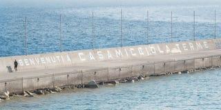 写在casamicciola温泉平台  免版税库存图片