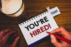 写您的手写文本是被聘用的诱导电话 意味新的雇员被吸收的工作者的概念选择 免版税图库摄影