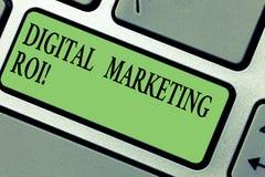 写数字营销Roi的手写文本 得到金钱s的概念意思从市场活动值得 库存图片