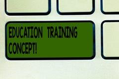 写显示教育训练概念的笔记 反复灌输在a的具体技能企业照片陈列的行动  库存图片