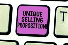 写显示独特的销售的提议的笔记 企业照片陈列区分从它的竞争者的一个产品 库存图片