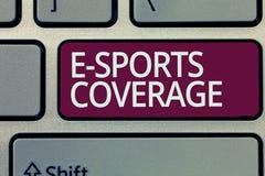 写E体育覆盖面的手写文本 概念意思报告活在最新的体育竞赛广播 免版税库存照片