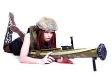 军事伪装的妇女与枪榴弹发射器 库存图片