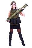 军事伪装的妇女与火箭筒 免版税库存照片