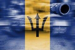 军事力量题材,与巴巴多斯旗子的行动迷离坦克 免版税库存图片