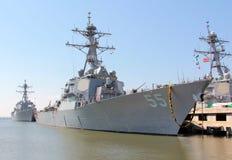 军事战舰码头边诺福克弗吉尼亚 库存照片