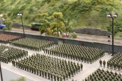 军事游行、军用设备和战士步行系统 免版税库存照片
