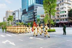 军事游行在胡志明市 库存图片