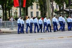 军事游行宪兵(污蔑)在法国国庆节期间,可汗仪式  库存图片