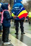军事游行的孩子 免版税库存图片