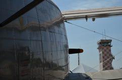 军事直升机伪装 军用飞机细节伪装 关于机体的看法与盘区线和梯度颜色 免版税库存图片