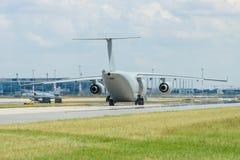 军事运输航空器滑行道的安托诺夫An-178 免版税库存照片