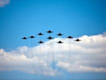军事飞行表演, 5月9日胜利游行,莫斯科,俄罗斯 图库摄影