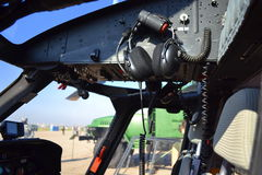 军事直升机驾驶舱 库存图片