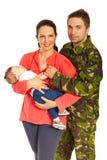 军人和他的家庭 免版税图库摄影