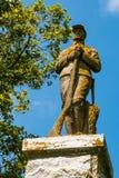 军士 18 2005年安赫莱斯观众席加州emmys幸福h huffman los macy黄金时间的9月寺庙威廉 Carney雕象在西点军校公墓在诺福克,弗吉尼亚 免版税库存图片