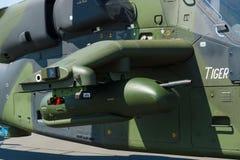军备一只四刃状,有双发动机的攻击用直升机欧洲直升机公司老虎 库存图片