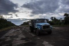 军用卡车在Donbass 库存图片