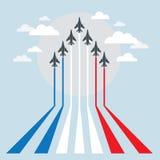 军用喷气式歼击机在示范时 免版税库存图片