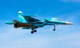 军用喷气机在天空中 库存图片