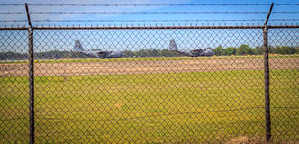 军用C-130航空器出租汽车 库存照片