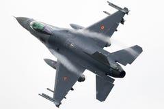 军用F-16战斗机飞机 免版税图库摄影