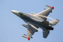 军用F-16战隼喷气式歼击机航空器 库存图片