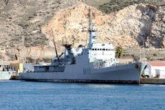 军舰在卡塔赫钠港靠了码头在西班牙 库存照片
