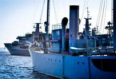 军舰在造船厂 免版税库存图片
