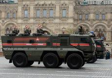 军警KamAZ-63968 `人员运输的台风K `装甲的卡车  免版税库存图片