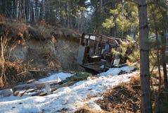 军车在森林,西伯利亚里 库存照片