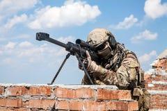 军队别动队员狙击手 库存图片