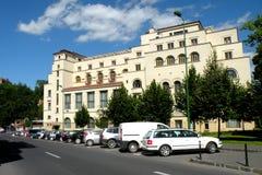 军队的议院 在镇布拉索夫(Kronstadt)环境美化,在Transilvania 免版税库存图片