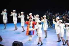 军队艺术马戏团和新疆民间手节目theFamous和classicconcert 库存照片