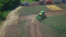 农业农田的喷雾器水厂 农业机械 股票视频