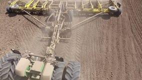 农业农田耙工作 股票视频