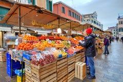农业市场在威尼斯,意大利。 免版税库存图片