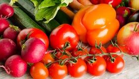 农业新鲜市场产品蔬菜 五颜六色的菜背景 健康vegeta 库存照片