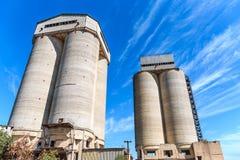农业电梯两个具体塔  图库摄影